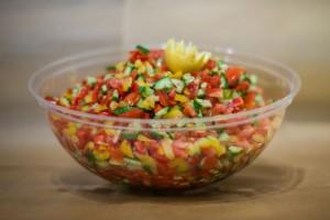 מגשי אירוח - סלט ירקות קצוץ דק